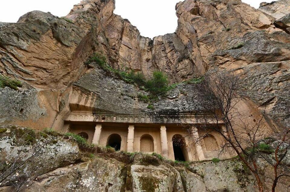Пещеры Ихларской долины