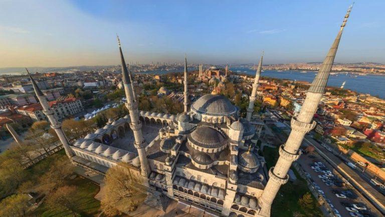 Посмотреть в Стамбуле