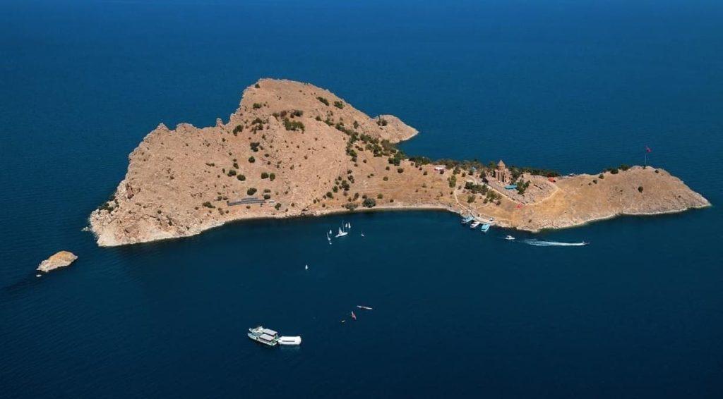 Остров Ахтамар