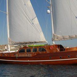 Гулера яхта в Белеке